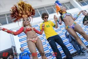 2013-yamaha-motogp-rossi-visits-brazil-2