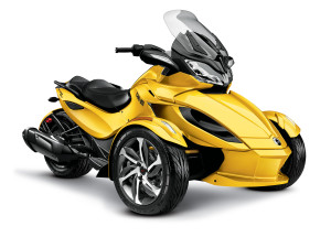 2014-Can-Am-Spyder-STS3