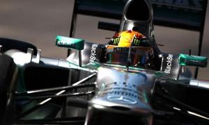 Hamilton-Mercedes-Pirelli-tire