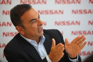 CEO global da companhia, Carlos Ghosn, na Fábrica da Nissan do
