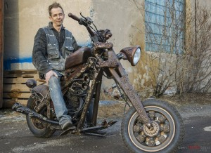Steampunk-Wooden-Motorcycle-0