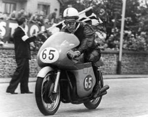 Surtess nos tempos do motoclismo