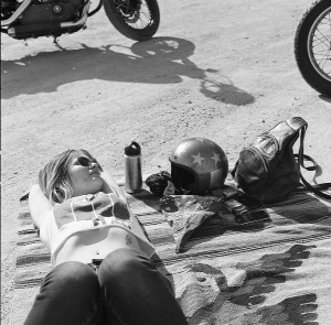 women-and-motorcycles-photo-exhibition-at-the-riverside-art-museum-medium_5