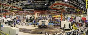 03)Em 2013, o Grupo Volvo vendeu mais de 29.000 caminhões de suas marcas Volvo, Mack, Renault e UD.