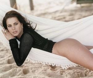 A sexy Debora Rodrigues é presença confirmada