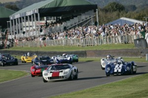 ford-gt40s-in-action_100413292_m