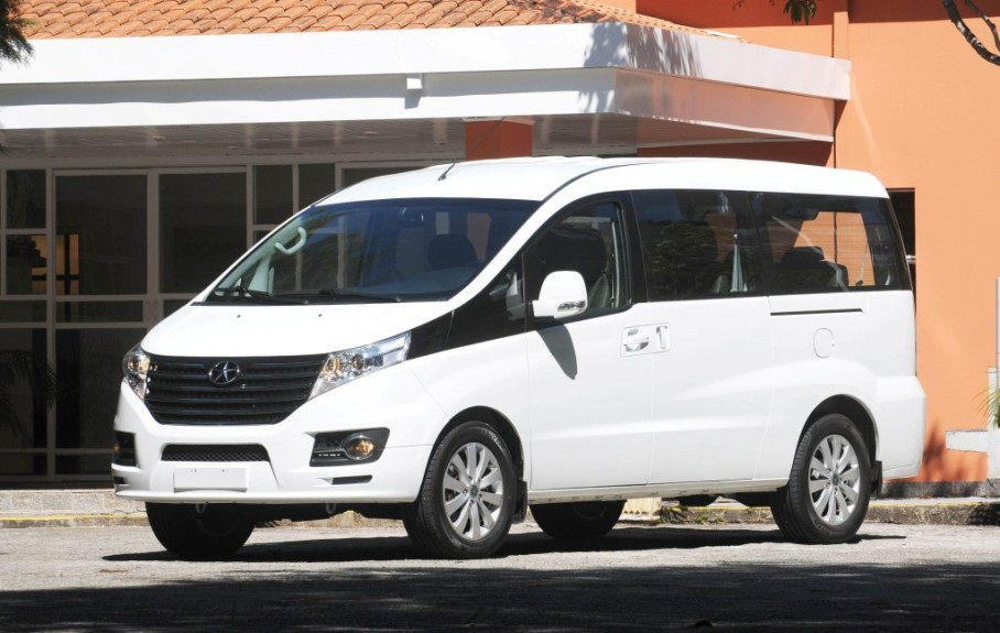 Jacão, o JAC T8, transporte turístico
