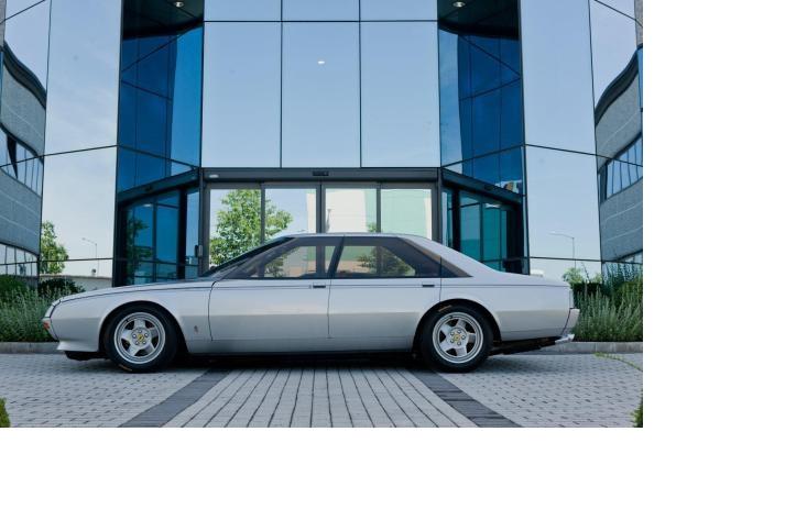 O conceito do Ferrari Pinin – sedã de alta prestação, ...