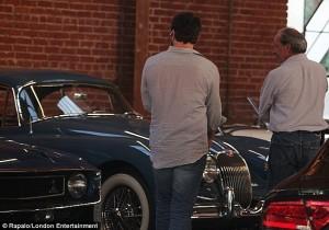 gerard-butler-goes-classic-car-shopping-medium_4