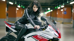 more-and-more-women-are-riding-motorcycles-in-the-us-78099-7