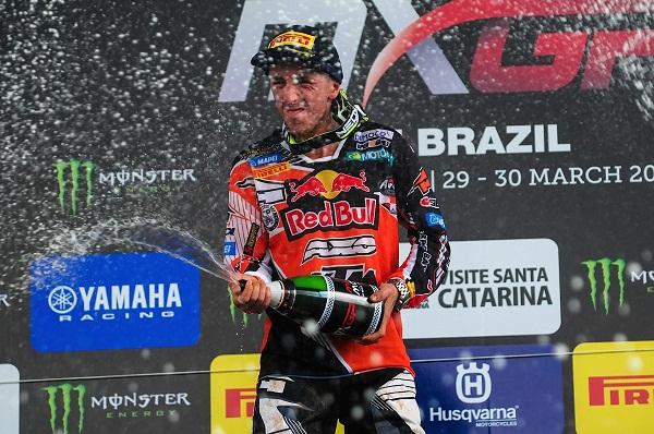 O suíço Arnaud Tonus venceu na MX2