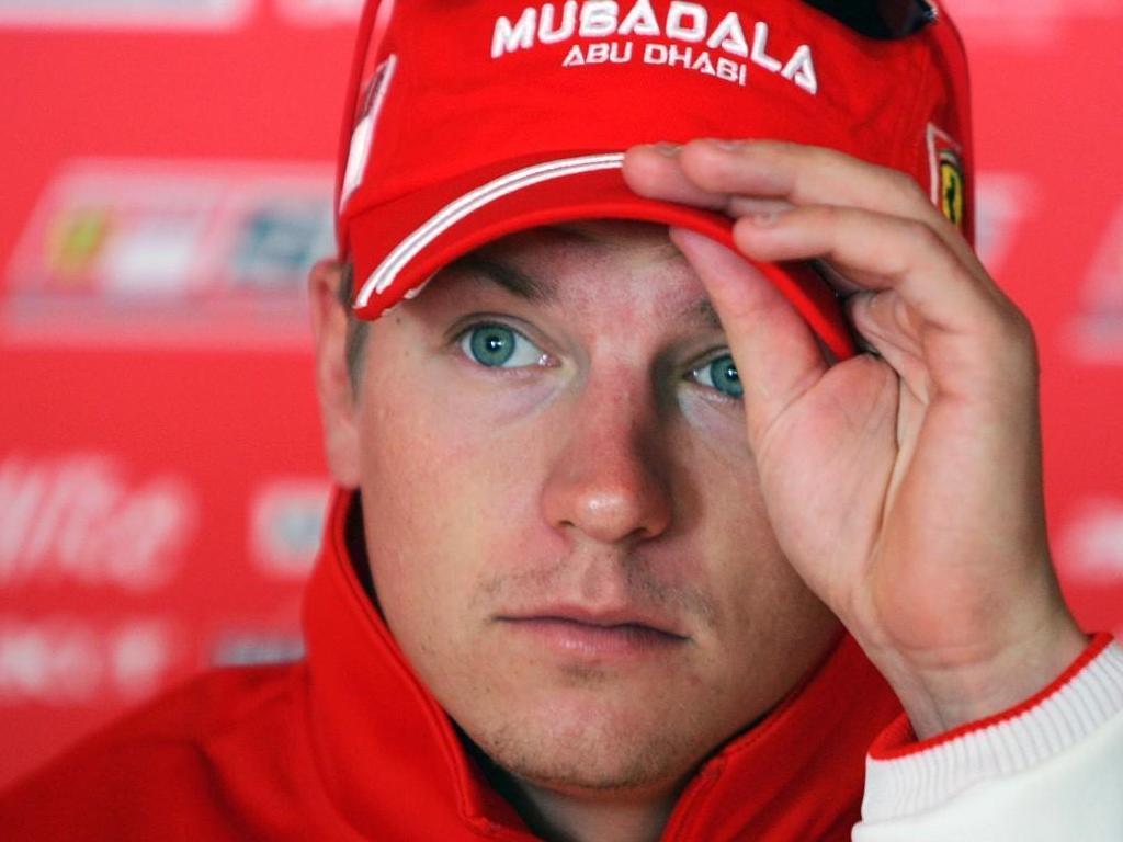 """Kimi """"Pé de Cana"""" Raikkonen cobra a Lotus da dívida de 2013."""