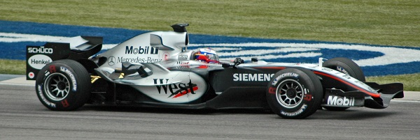 Montoya_(McLaren)_qualifying_at_USGP_2005