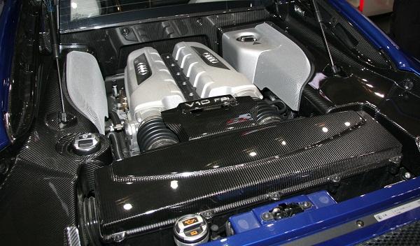 Audi_R8_V10_engine_room