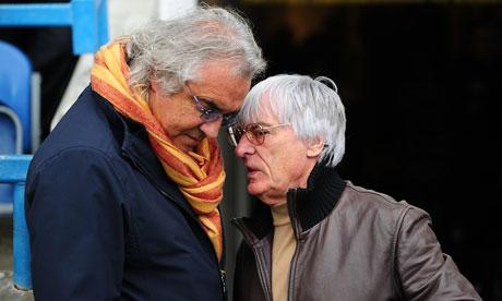 """Será que Briatore e Bernie estão de """"tititi""""?"""