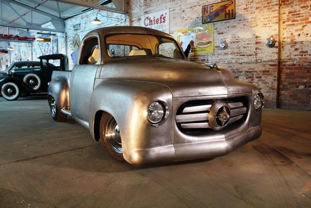 A picape Studebaker 1951 restaurada por Dan