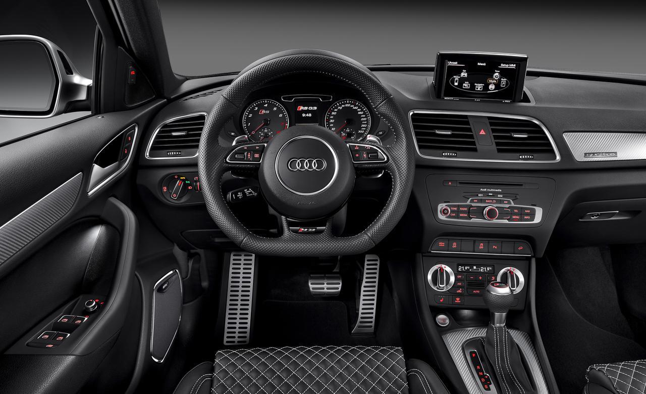 2014-Audi-RS-Q3-Interior-Photo