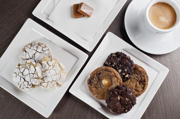 Biscoitos de pistache, avelã e amêndoas, cookies de chocolate e caramelos-Crédito Calebe SImões_04