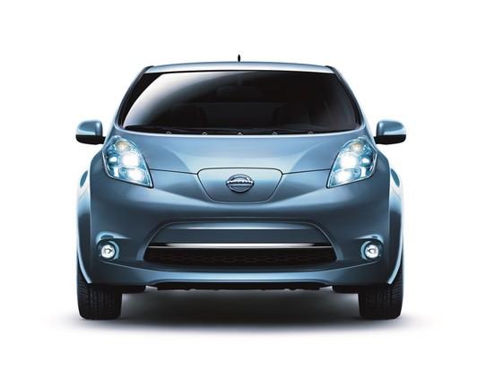 Nissan_Leaf_Blue_F_peq