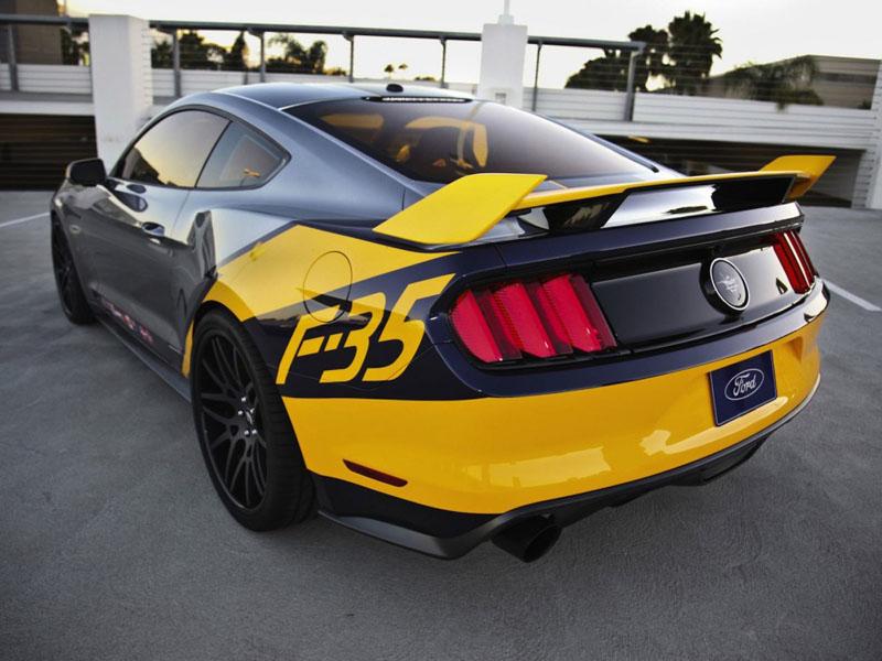 Mustang-f-35-lightning-II-4