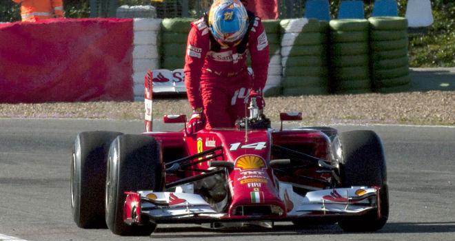 O carro não rende e Alonso não gosta de perder.