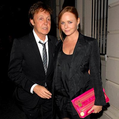 a bela designer Stella McCartney , filha do sempre Beatle Paul McCartney, é a representante da moda.