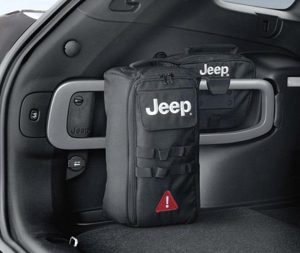 Jeep-Renegade-rear-entry