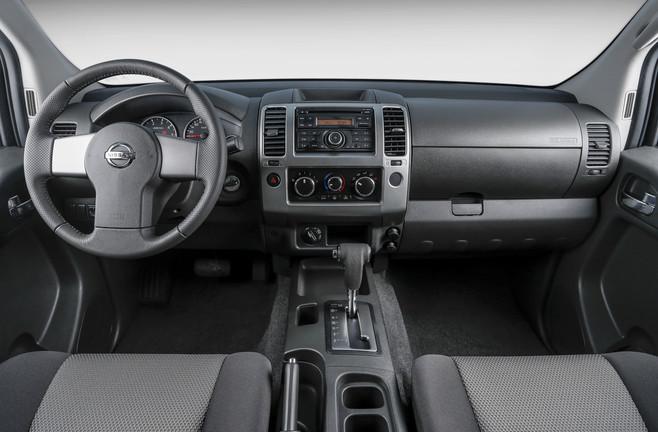Nissan_Frontier_SL_4X4_4