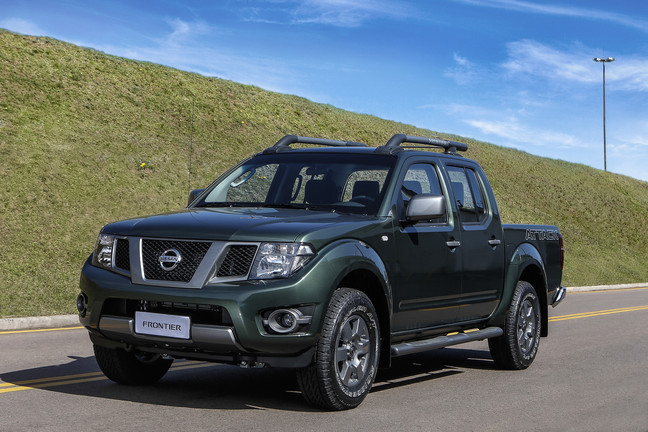 Nissan_Frontier_SV_Attack_4X4_1