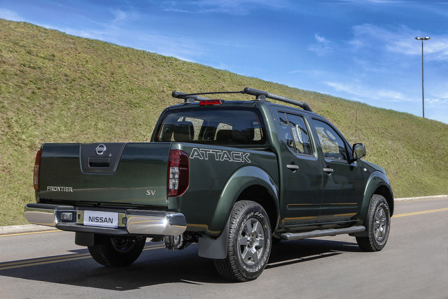 Nissan_Frontier_SV_Attack_4X4_5