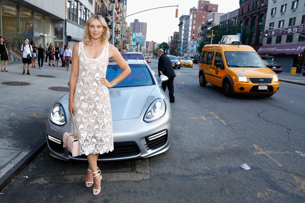maria-sharapova-seen-with-her-porsche-panamera-turbo-at-a-charity-event_2