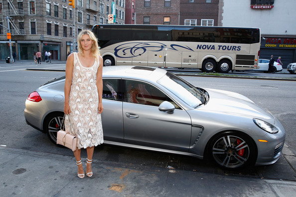 maria-sharapova-seen-with-her-porsche-panamera-turbo-at-a-charity-event_3