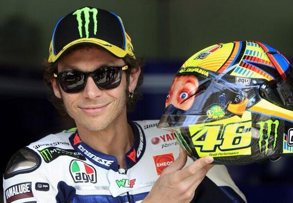 Valentino-Rossi-image-valentino-rossi-36587137-599-414 (1)