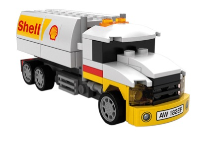 shell-v-power-motorsport-collection-brings-lego-ferraris-to-you_1