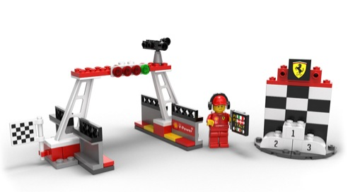shell-v-power-motorsport-collection-brings-lego-ferraris-to-you_2