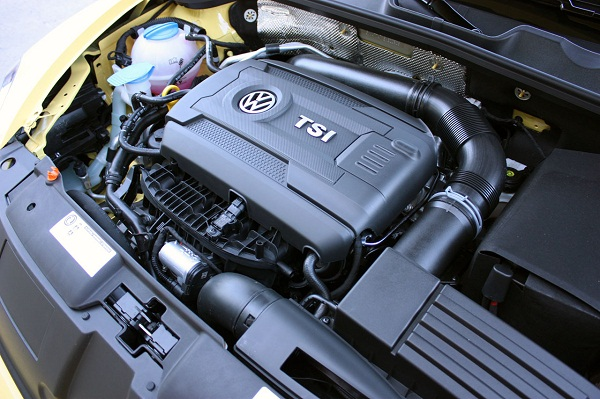 016-2014-vw-beetle-gsr-quick-spin-1