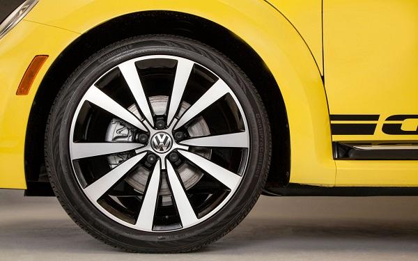 2014-volkswagen-beetle-gsr-wheel
