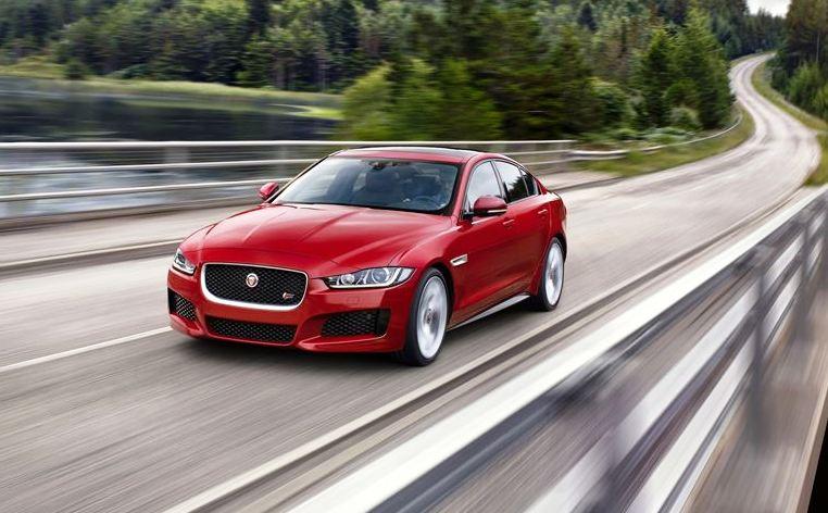 Jaguar XE, Anti BMW 3 e Mercedes C