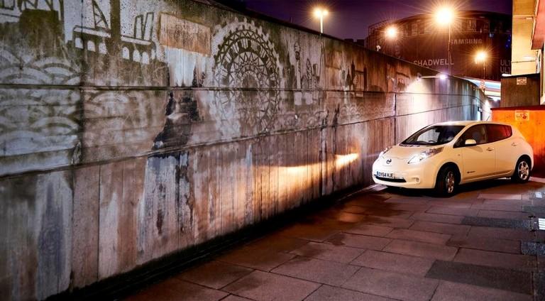 LEAF_Reverse_Graffiti_02