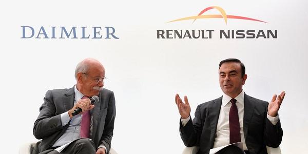 Dieter Zetsche e Carlos Ghosn selam o acordo