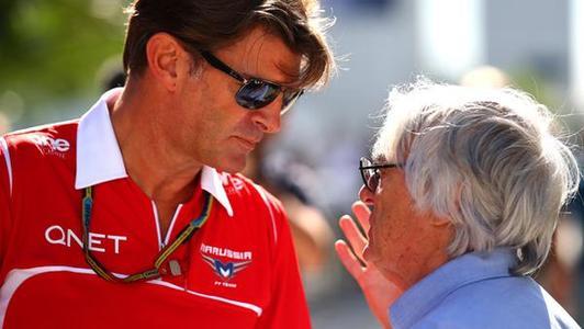 Chororô de Geoff Rowley com Bernie Ecclestone: não deu para segurar por mais um ano.