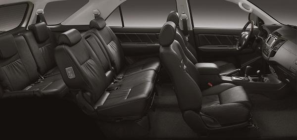 SW4 SRV AT 4x4  interior preto f03