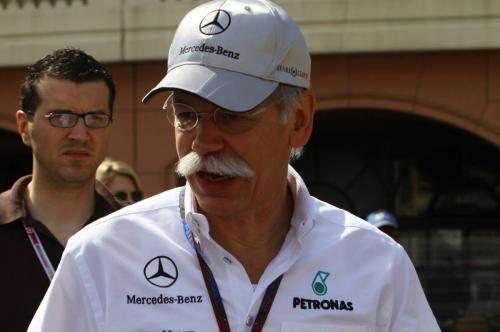 Dieter Zetsche quer ver as três alemãs na Fórmula 1
