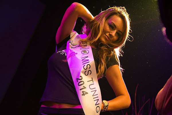 Veronika-Klimovits-ist-Miss-Tuning-2014-1200x800-a7600e0cc30ea55c