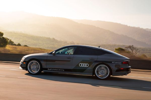 Audi-A7-Sportback-Piloted-Driving-concept-side-profile