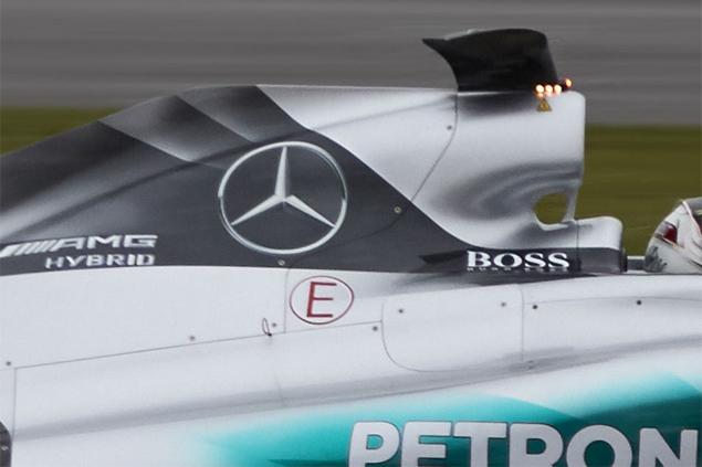 Mercedes-W06-Hybrid-12