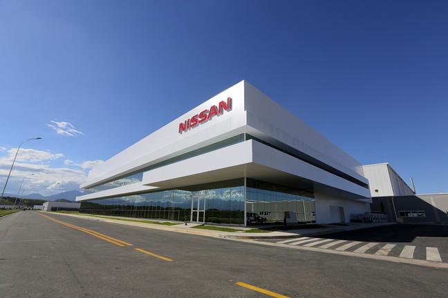 Nissan_Fa__brica_de_Resende_Escrito__rio_Frente11