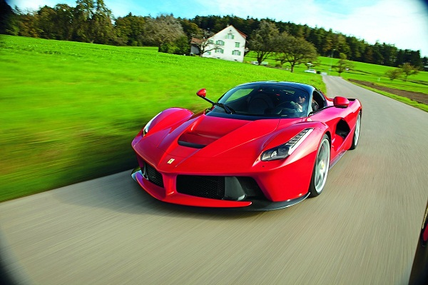 meet-cornelia-hagmann-one-of-the-499-laferrari-owners-video_3