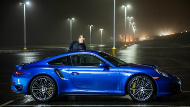 Porsche-911-Turbo-S-Maria-Sharapova-620x350