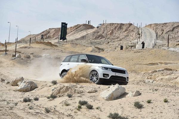 Range-Rover-Sport-no-Land-Rover-Experience-Centre-Bahrain-International-Circuit-1024x681